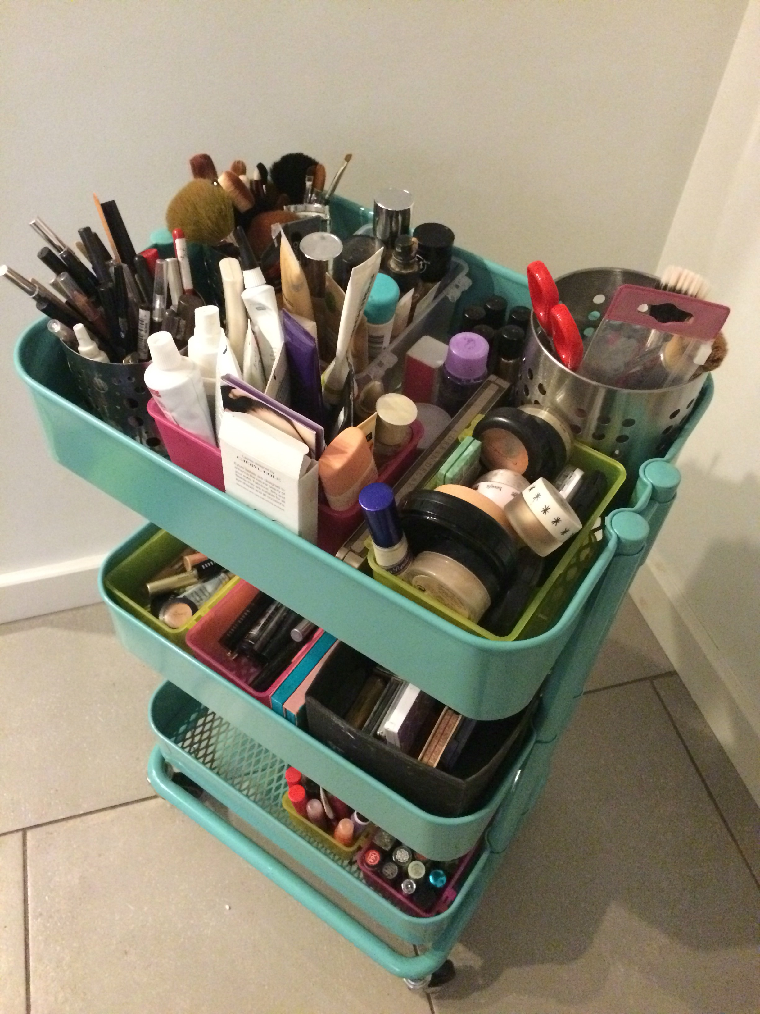 ikea-makeup-organisation-hack