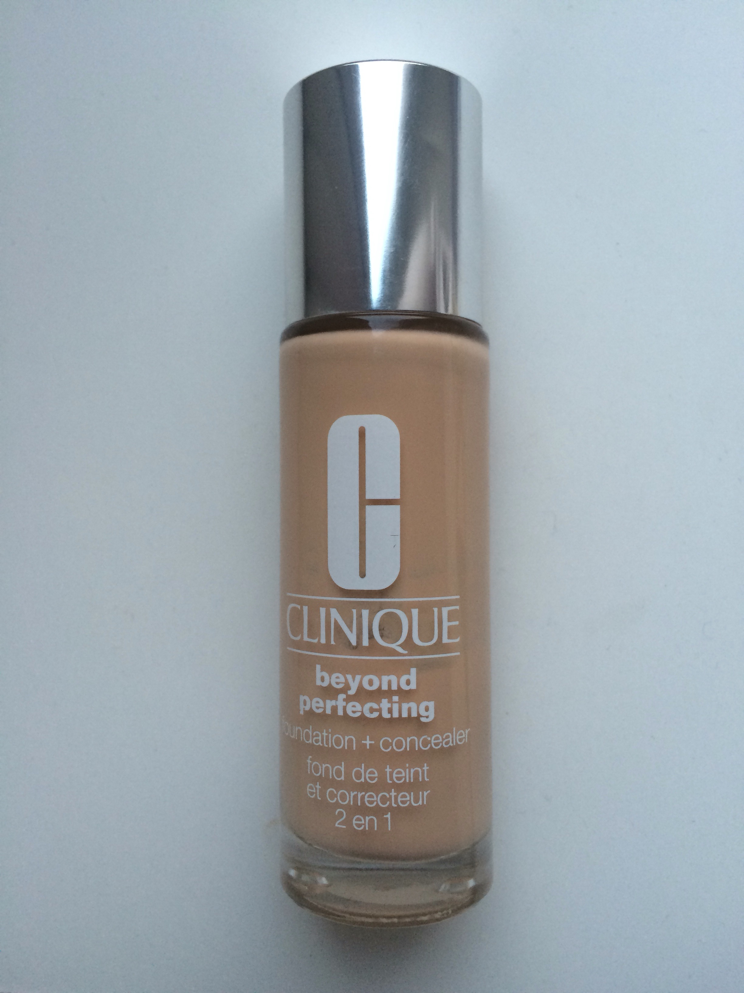 Clinique Beyond Perfecting 2in1 Foundation and Concealer