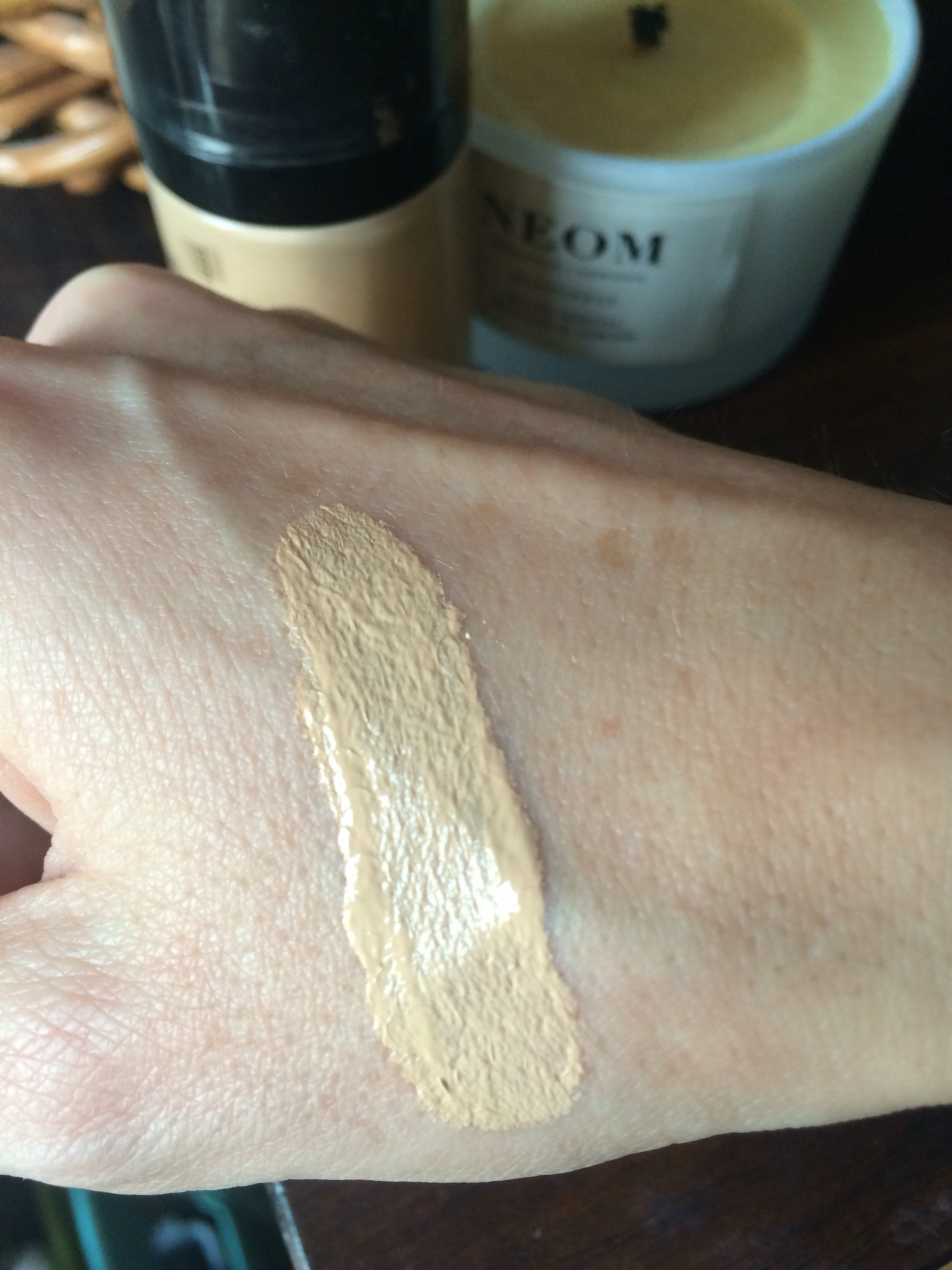 review-revlon-photoready-airbrush-effect-foundation