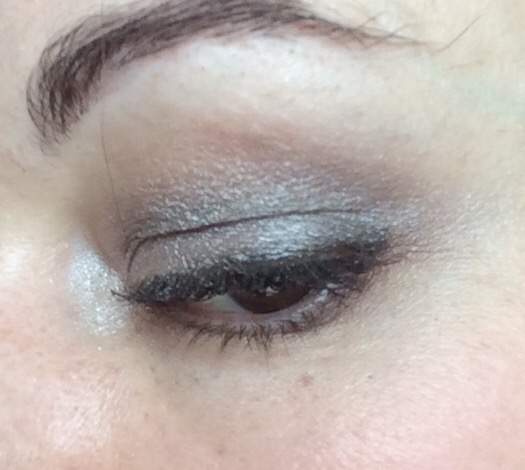 collection-eyes-uncovered-eyeshadow-palette-nude-grey-review-photos-swatches