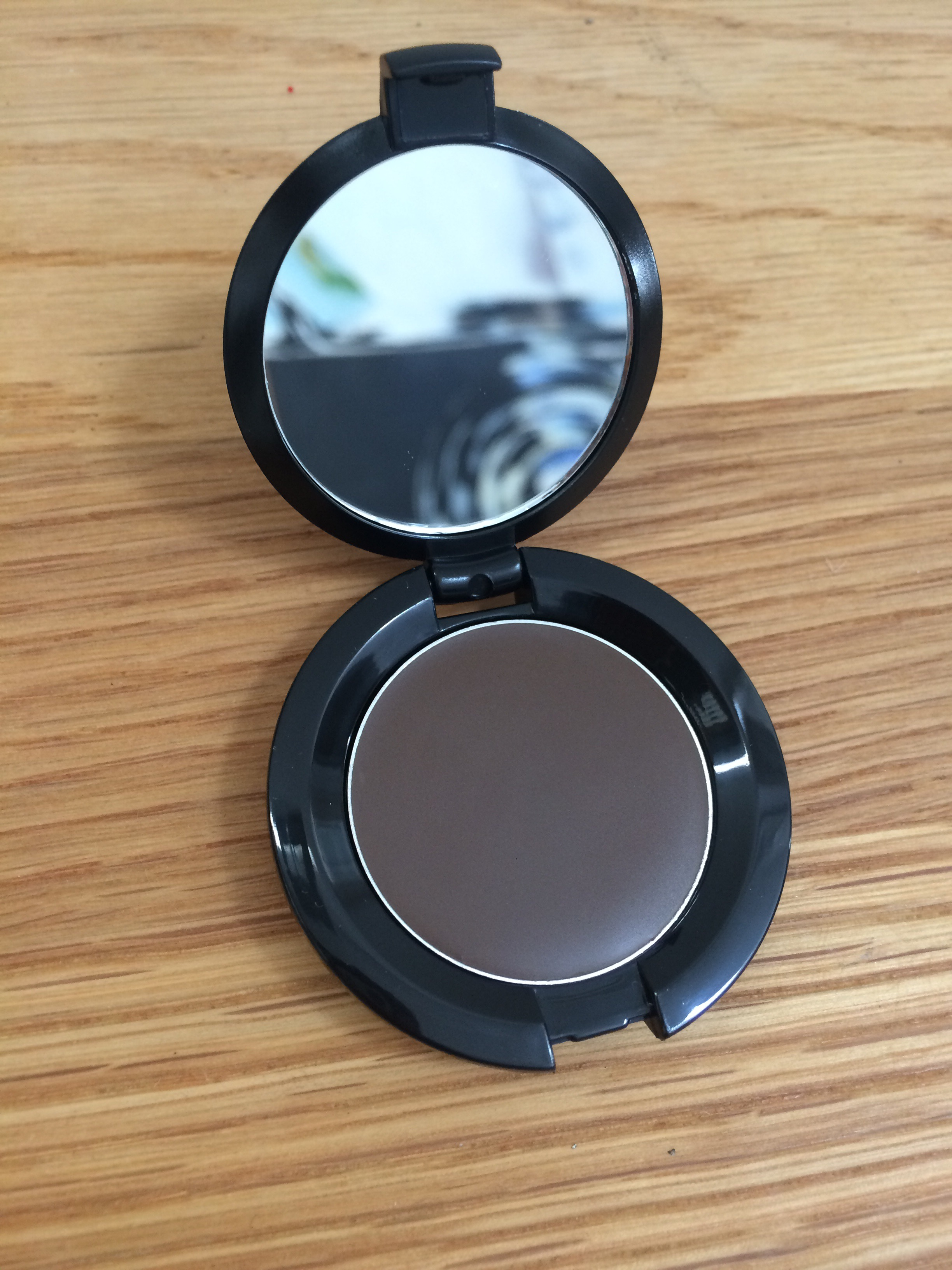 Bobbi-Brown-long-wear-brow-eyebrow-gel-review-photo-pictures-swatches