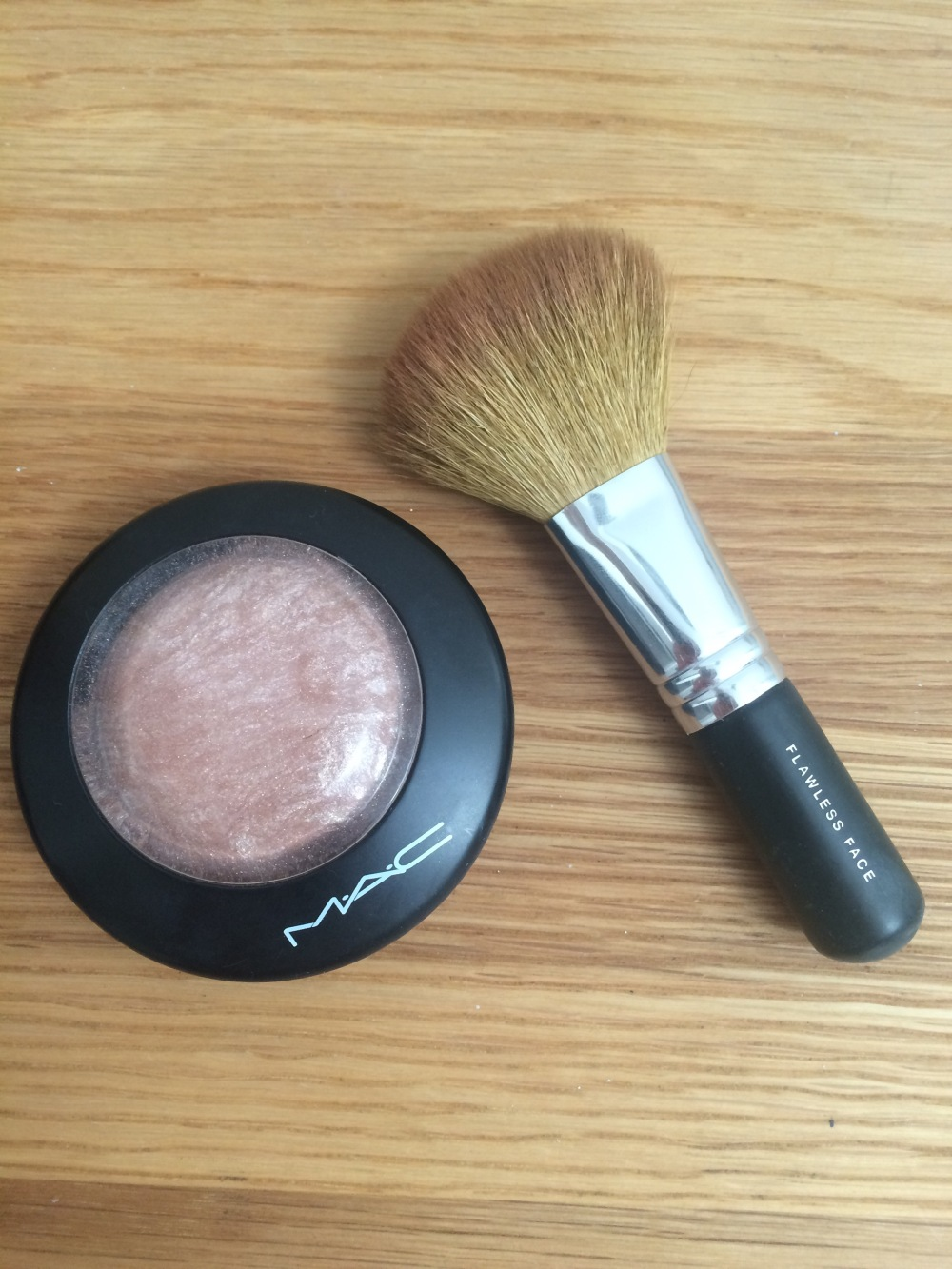 under-eye-makeup-prevent-creases-wrinkles-soft and gentle by mac