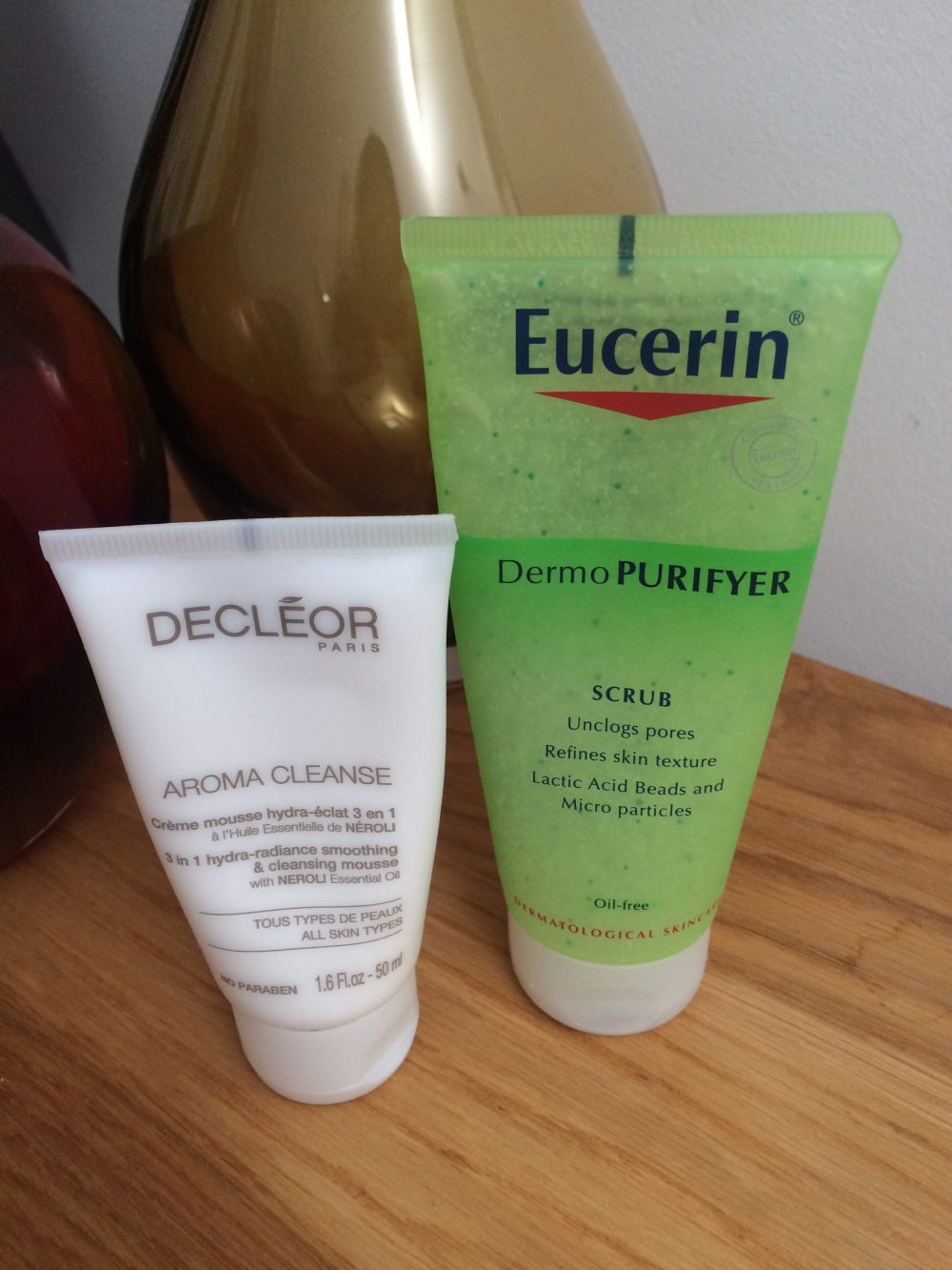 look-fantastic-my-skin-solutions-healthy-skin-box-oily-blemish-prone-skin-decleor-aromacleanse-eucerin-scrub