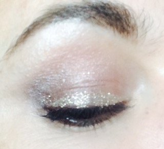 collection-glam-crystals-glitter-eyeliner-funk-le-freak-gold-worn