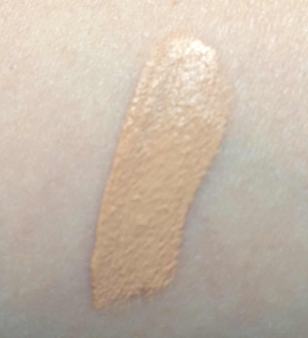 kiko- natural-concealer-shade-03-medium-swatch