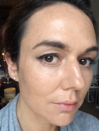 foundation-best-for-skin-type-dry-skin-dewy-finish