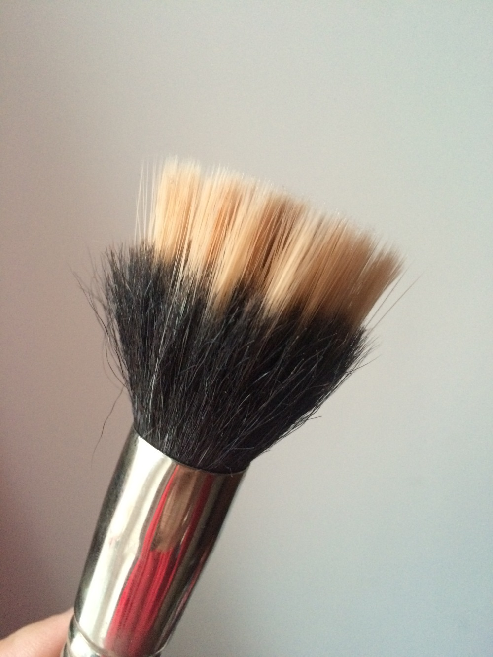 foundation application dual fibre blending brush mac 187