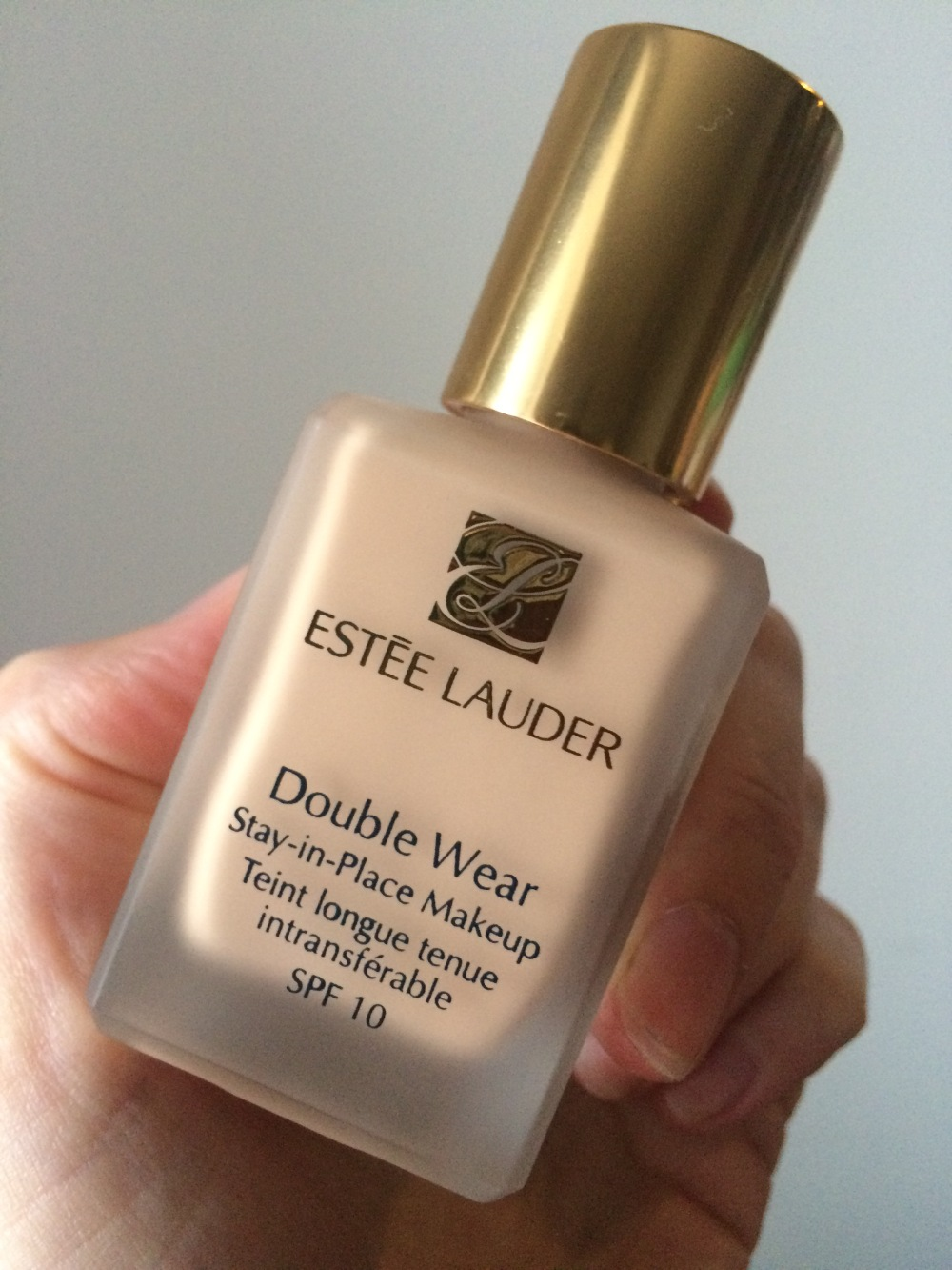 work suitable makeup estee lauder  double wear cool bone