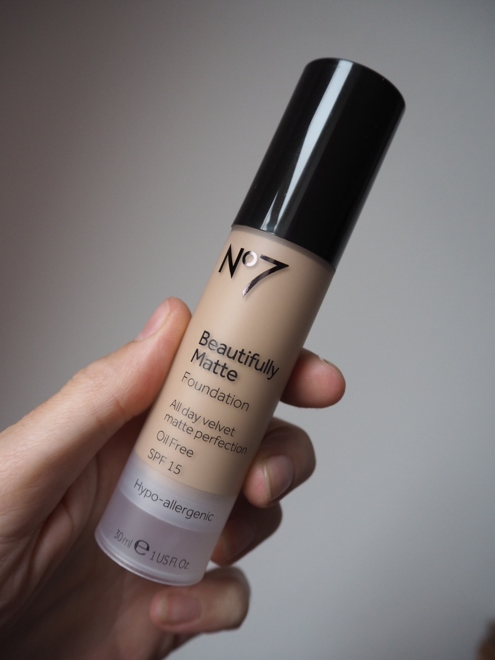 No7 beautifully matte foundation blog review packaging