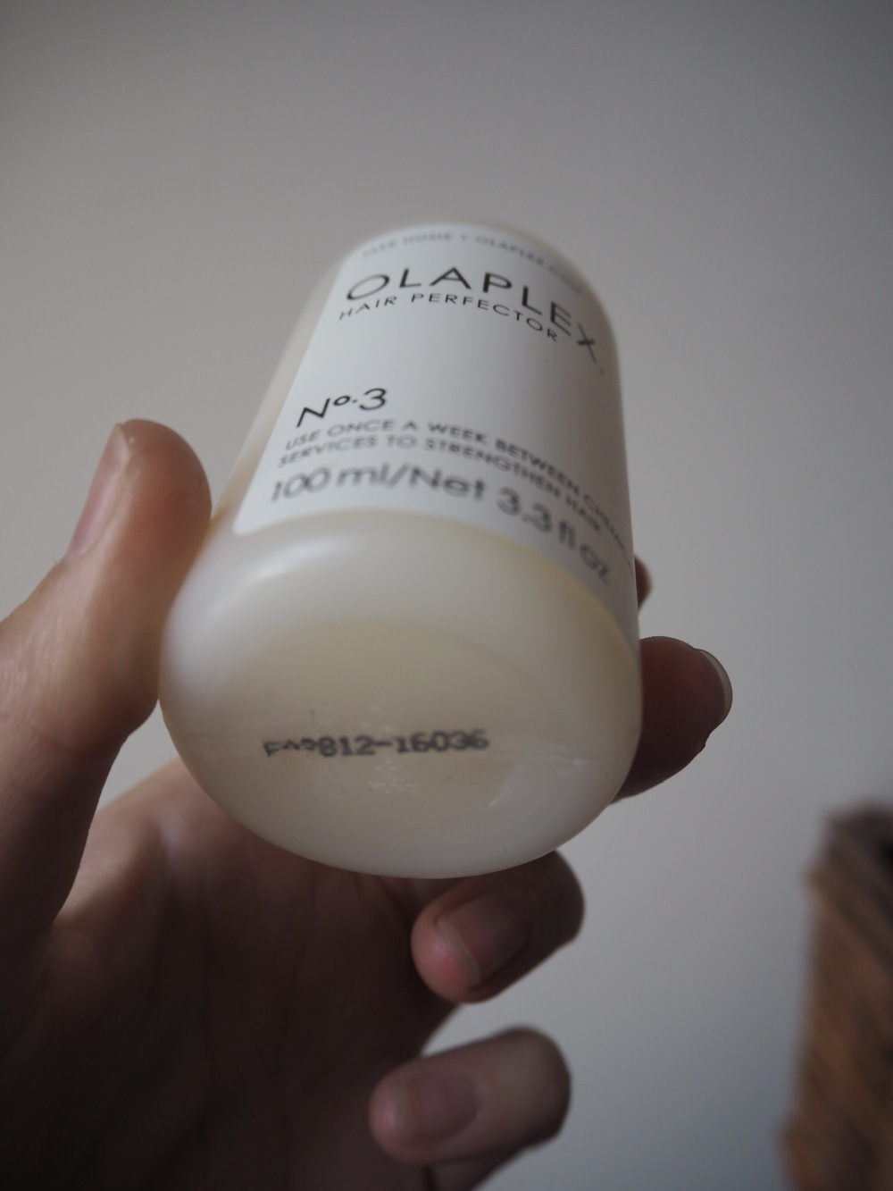 Olaplex No3 Curly hair amazon review- product bottle and serial number