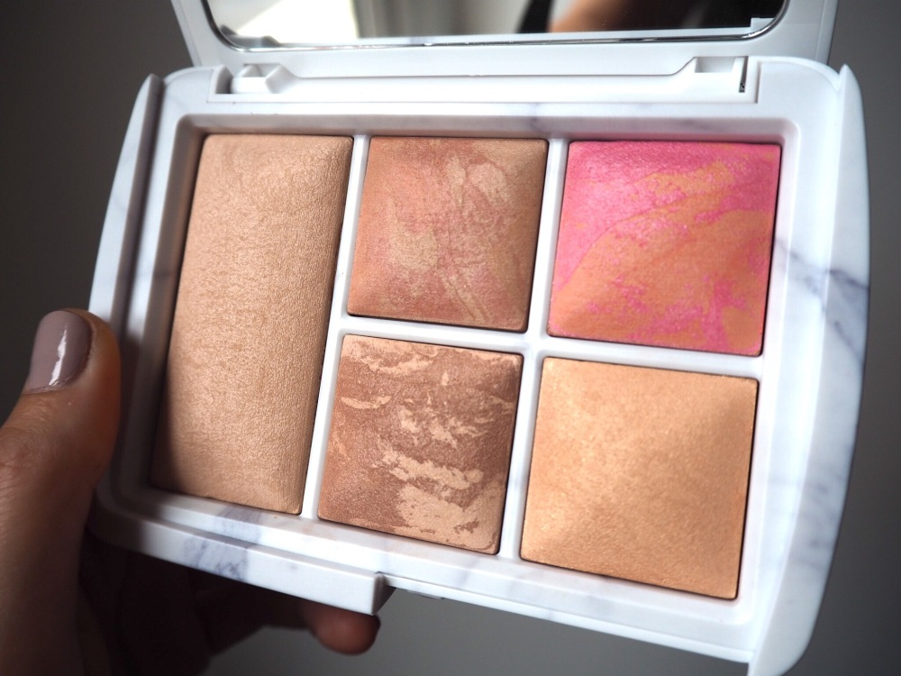 Hourglass Ambient Light Limited Edition Edit Surreal Light Palette- 5 pans of different shades of iridescent powder