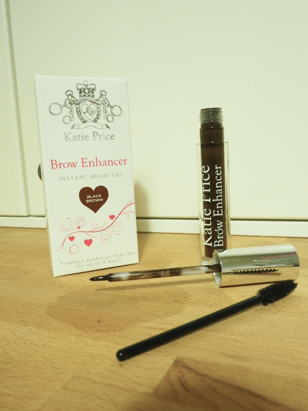 Katie Price Brow Enhancer. Packaging and brushes