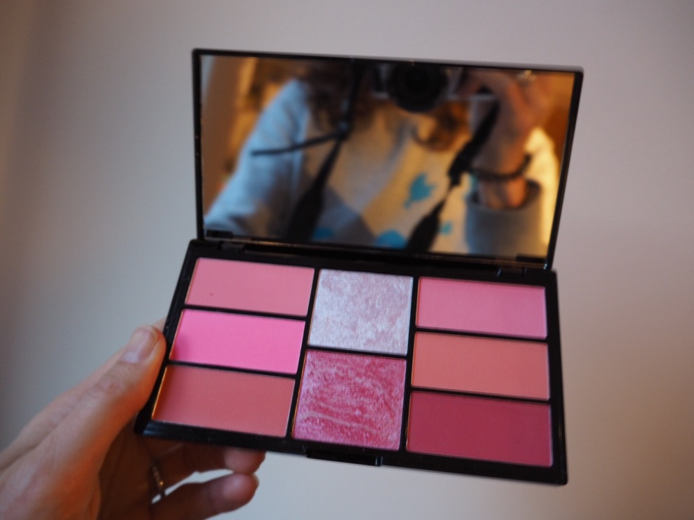 Freedom Pro Blush and highlighter Palette in Pink and Baked open palette