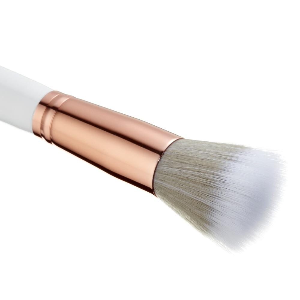 Spectrum Collection Makeup Brushes- D05