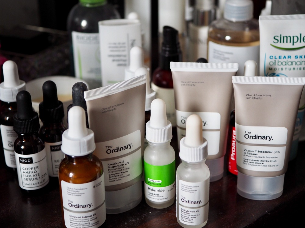 How to Use The Ordinary skincare by Deciem lots of dropper bottles
