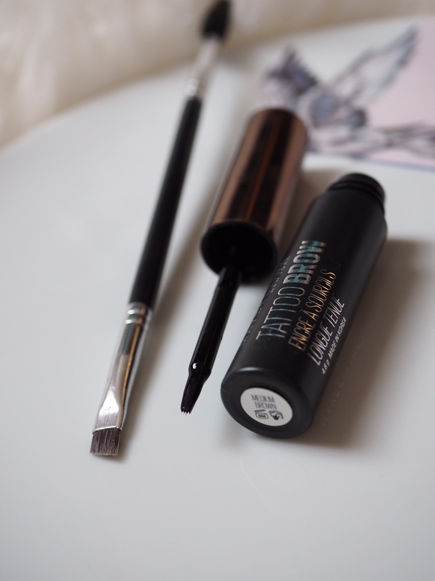 Maybelline Tattoo Brow Peel Off Tint Close up of brush