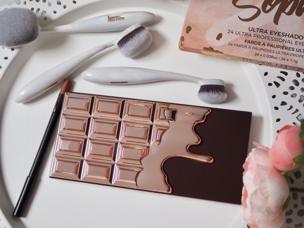 I Heart Makeup I Heart Chocolate Rose Gold Palette Outer packaging- metallic rose gold chocolate bar